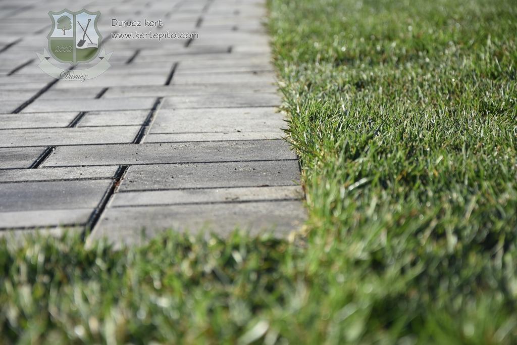Read more about the article Van élet a beton kerti szegély után, avagy amit a Steinfix szegélyről tudni kell